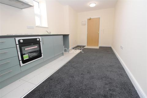 Studio to rent - Mere Road, Spinney Hill Park