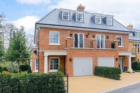 4 bedroom semi-detached house for sale - Crown Lane, Virginia Water, Surrey, GU25