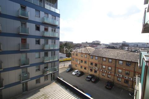 2 bedroom flat for sale - Halyards Court, Western Court