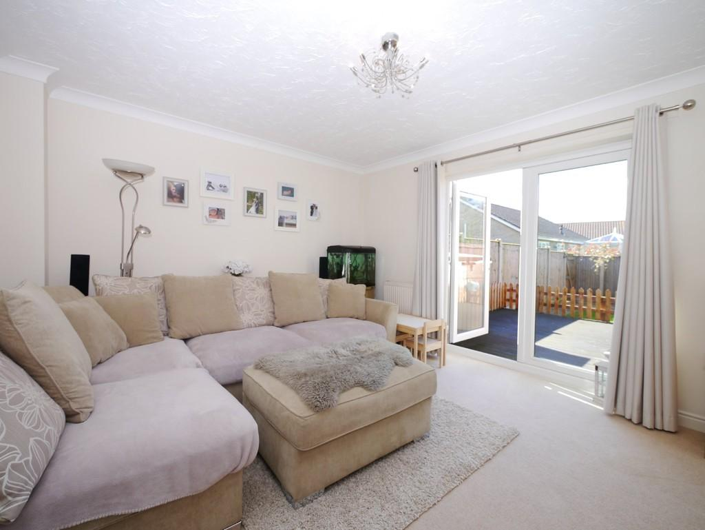 2 Bedrooms Terraced House for sale in Swift Close, Carlton Colville, Lowestoft