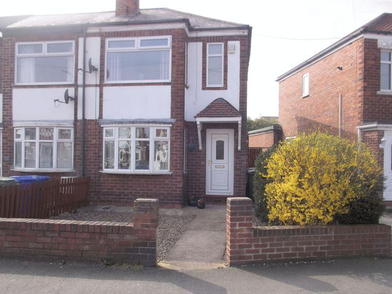 2 Bedrooms Terraced House for sale in Aston Road, Willerby