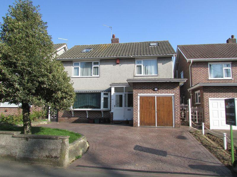 4 Bedrooms Detached House for sale in Parkhill Road, Bexley