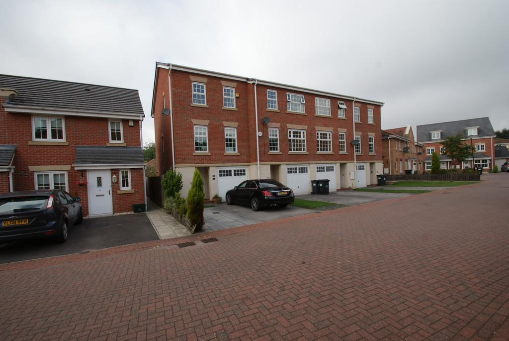 3 Bedrooms Town House for sale in The Potteries, Station Road