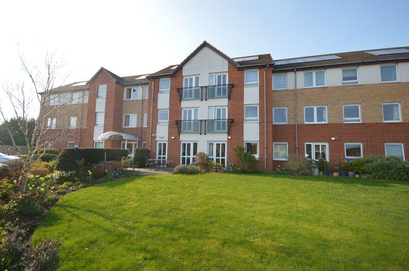 1 Bedroom Apartment Flat for sale in Lucas Gardens, Luton