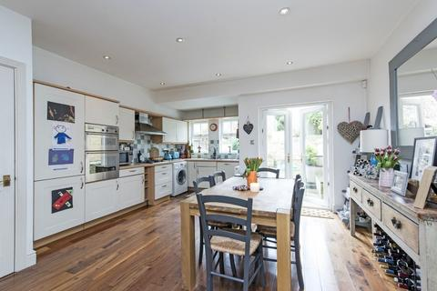4 bedroom townhouse to rent - Turner Place, SW11