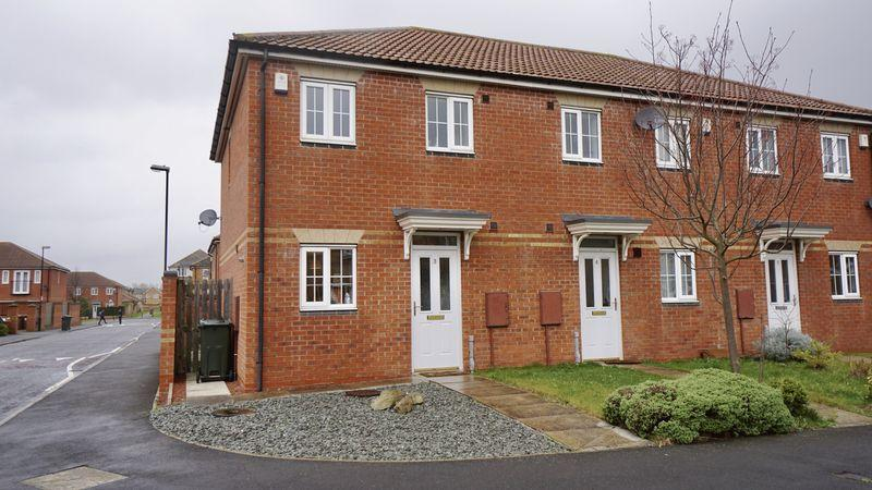 2 Bedrooms Terraced House for sale in KINGSBURY COURT, Longbenton