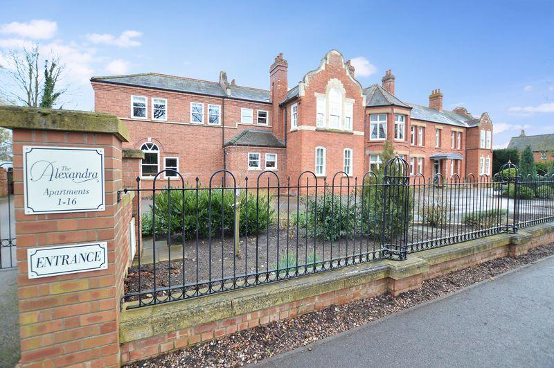 2 Bedrooms Apartment Flat for sale in 9 The Alexandra, The Broadway, Woodhall Spa