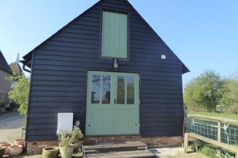 Studio property to rent - MARDEN