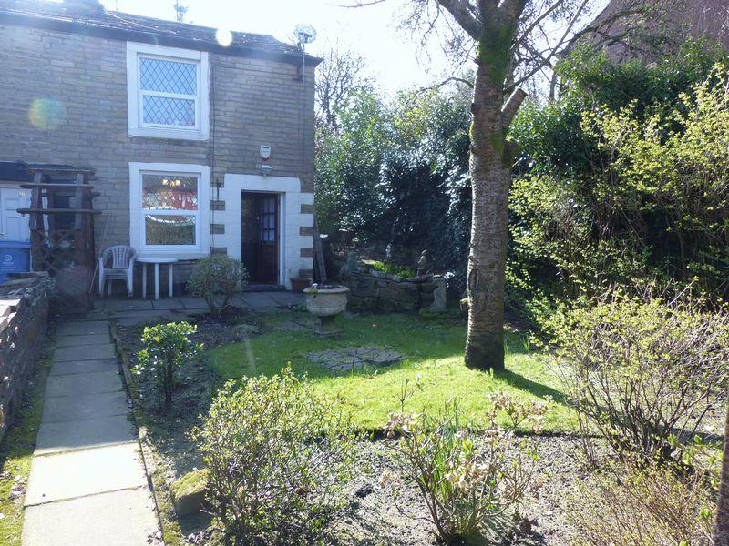 2 Bedrooms House for sale in Counthill Road, Watersheddings
