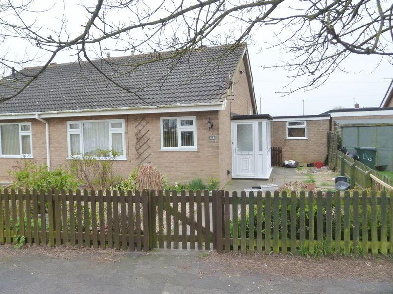 2 Bedrooms Bungalow for sale in Sandringham Drive, Mablethorpe