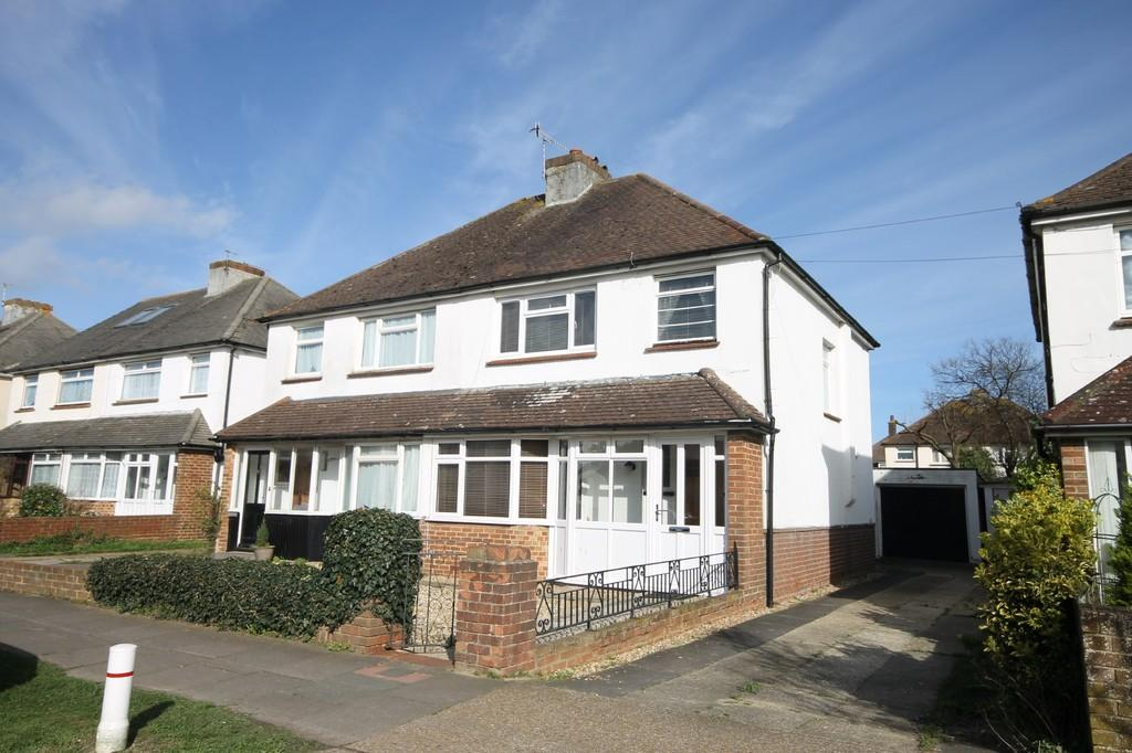 3 Bedrooms Semi Detached House for sale in Sullington Way, Shoreham-by-Sea