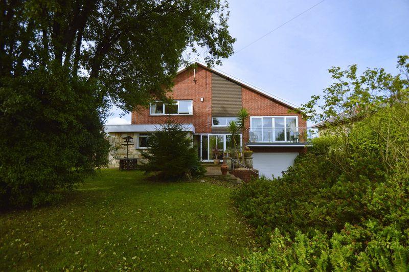 6 Bedrooms Detached House for sale in SHANKLIN