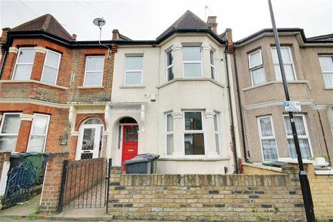 2 bedroom flat to rent - Moyers Road, Leyton