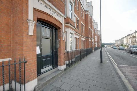2 bedroom flat to rent - Graham Road, Hackney