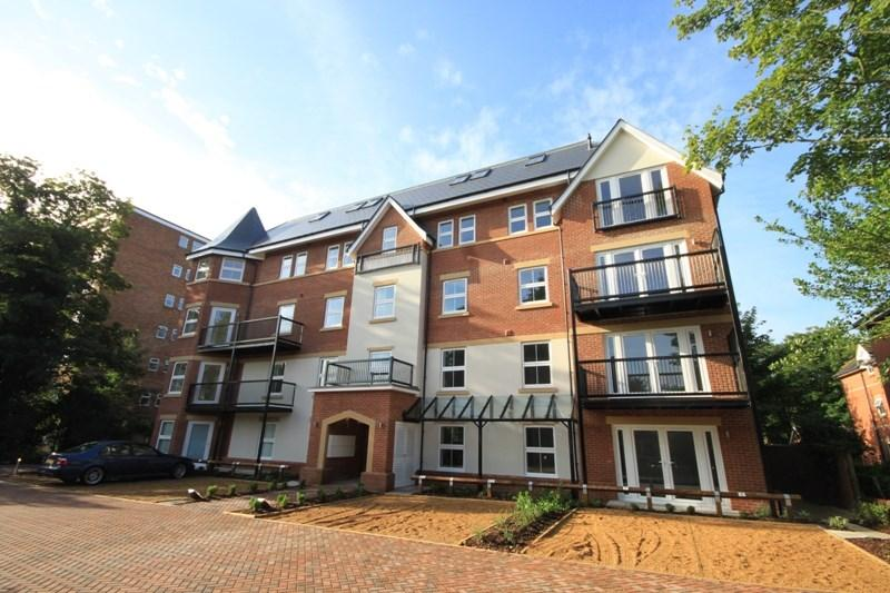 2 Bedrooms Apartment Flat for sale in Poole Road, Westbourne, Bournemouth