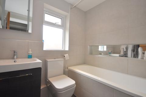 2 bedroom flat to rent - Brook Lane North, Brentford
