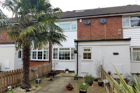 4 bedroom terraced house for sale - Becketts Close, Feltham