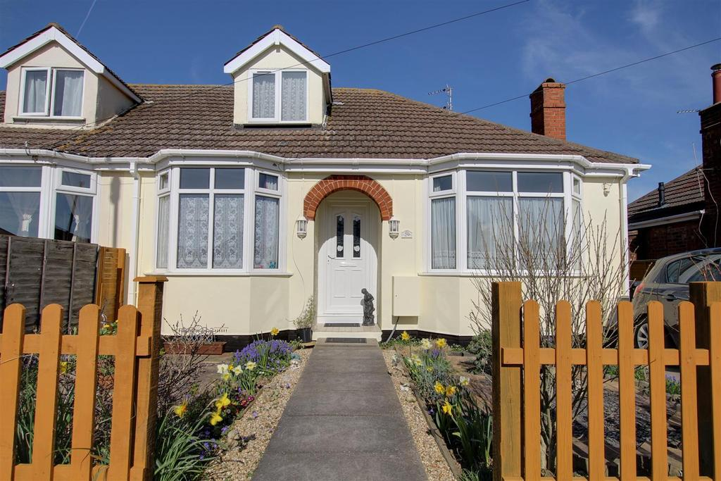 2 Bedrooms Semi Detached Bungalow for sale in 29 Long Acre, Mablethorpe