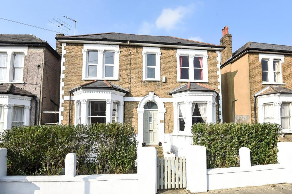 5 Bedrooms Detached House for sale in Honley Road, Catford, SE6