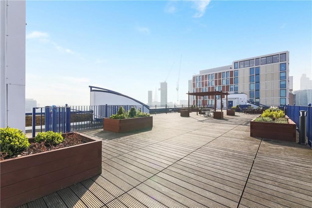 2 Bedrooms Flat for sale in Skyline Plaza Building, 80 Commercial Road, Aldgate, London, E1