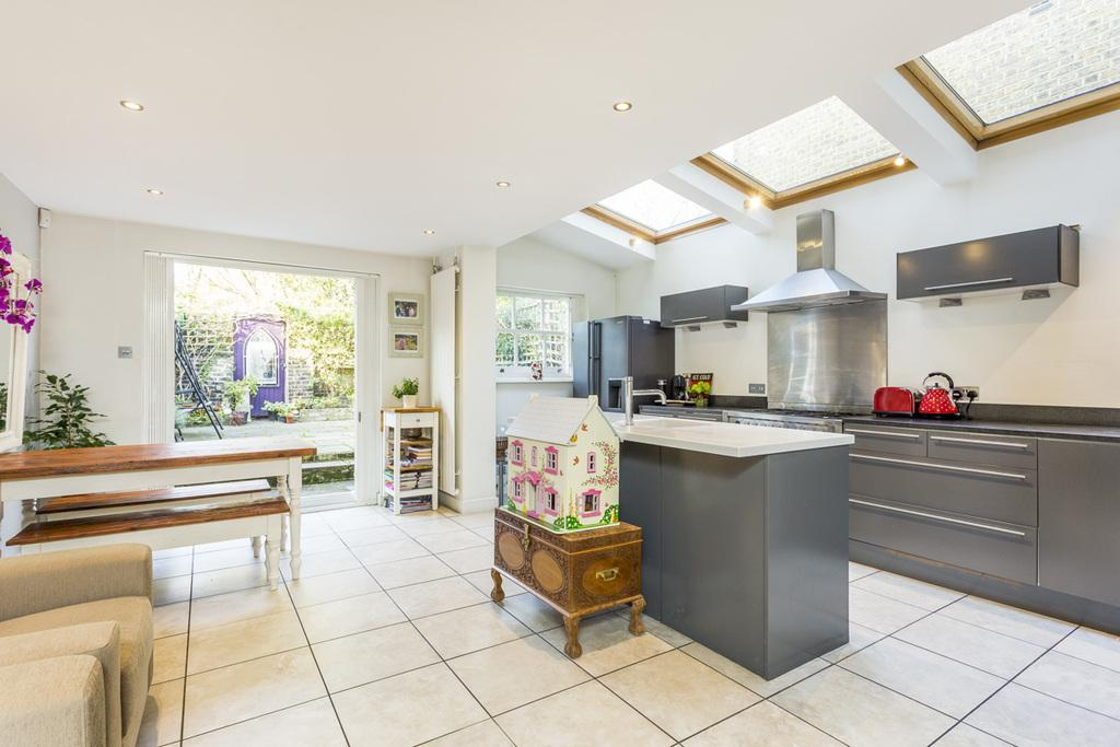 5 Bedrooms Terraced House for sale in Hebron Road, Brackenbury, London, W6