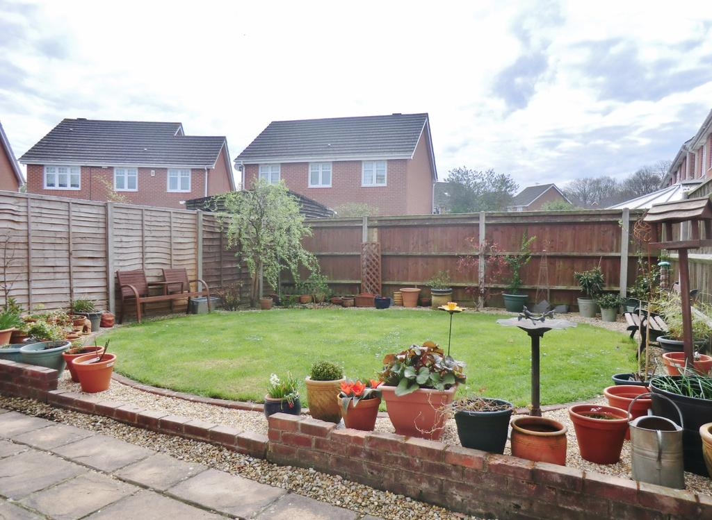 3 Bedrooms Semi Detached House for sale in Thyme Avenue, Whiteley