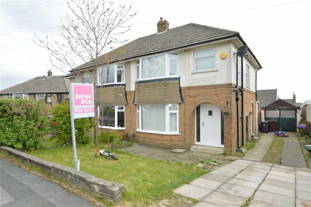 3 Bedrooms Semi Detached House for sale in Lytham Drive, Clayton Heights, Bradford