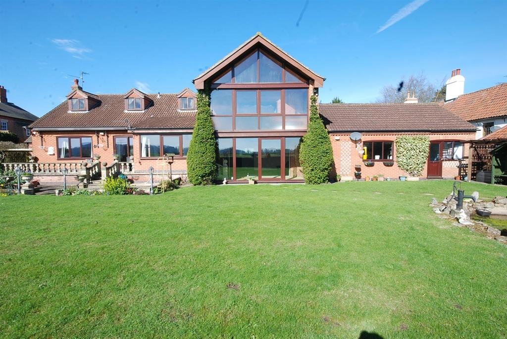 4 Bedrooms Detached House for sale in Main Street, Fiskerton, Southwell