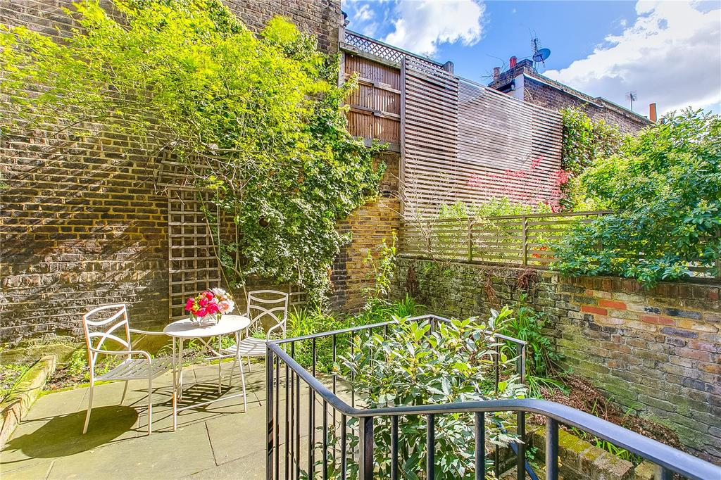 2 Bedrooms Flat for sale in Chepstow Road, Notting Hill, London