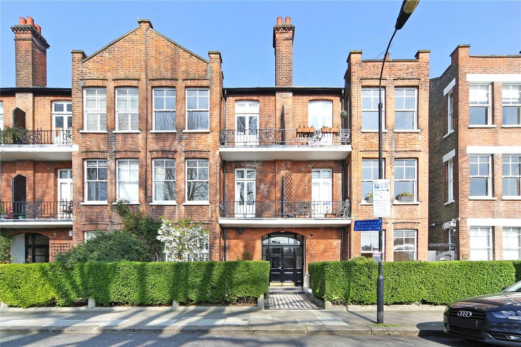 3 Bedrooms Apartment Flat for sale in Bishops Mansions, Bishops Park Road, London, SW6