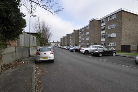 2 bedroom flat for sale - Haig Court, Chelmsford