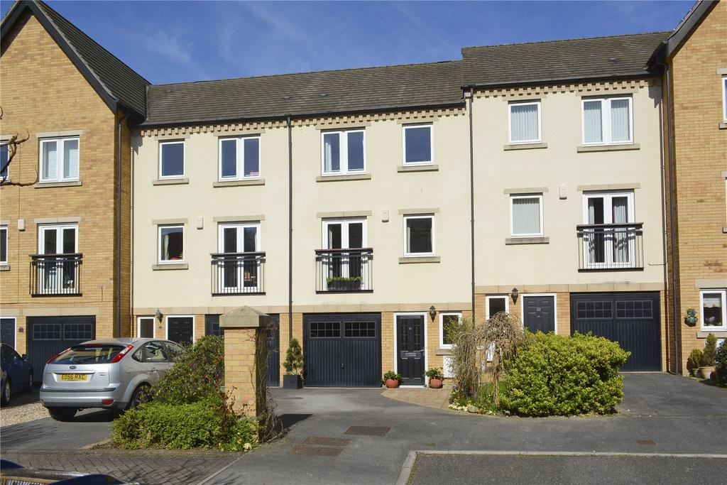 4 Bedrooms House for sale in William Court, Blue Bridge Lane, York