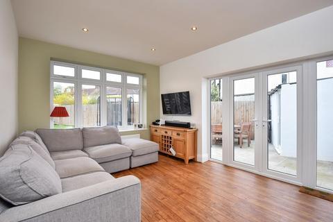 3 bedroom semi-detached house for sale - Woodside Avenue, Chislehurst, BR7