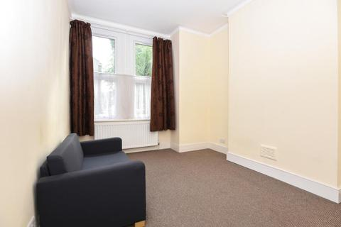 2 bedroom flat for sale - Byton Road, Tooting, SW17