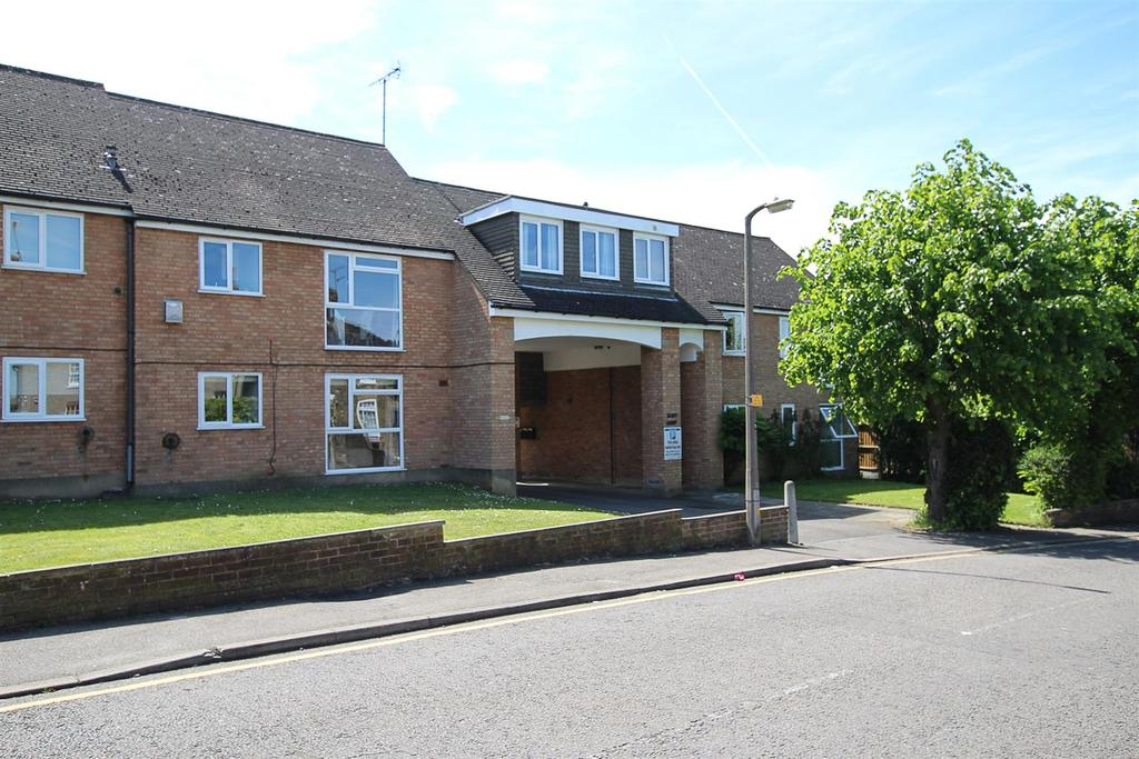 1 Bedroom Apartment Flat for sale in Junction Road, Warley, Brentwood