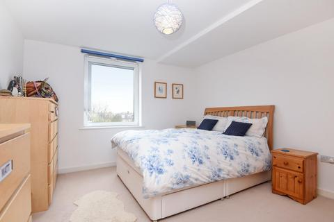 2 bedroom flat for sale - Clarence Avenue, Clapham, SW4