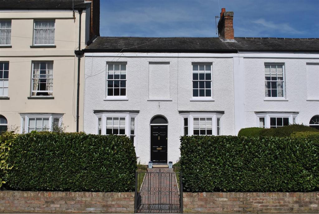 4 Bedrooms Terraced House for sale in Staplegrove Road, Taunton