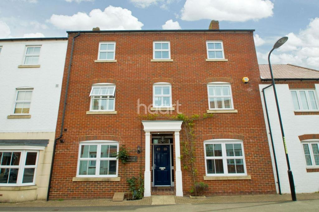 5 Bedrooms Terraced House for sale in Poppy Mead, Kingsnorth, TN23 3GL