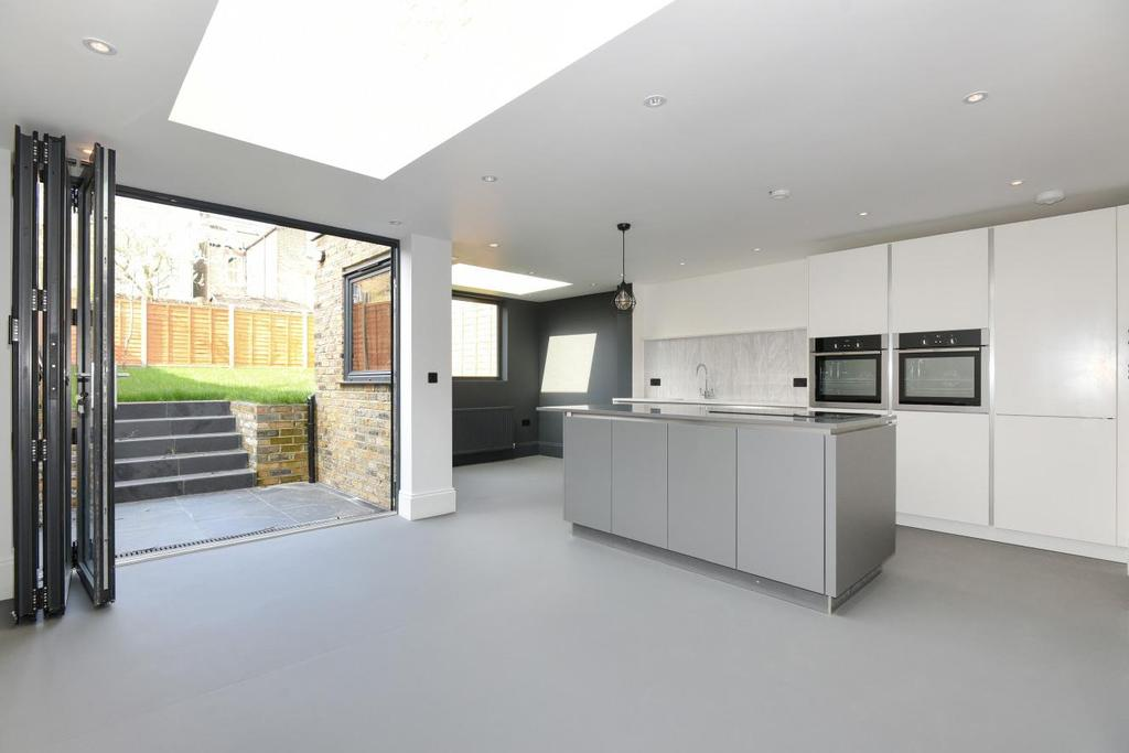 5 Bedrooms Semi Detached House for sale in Selsdon Road, West Norwood, SE27