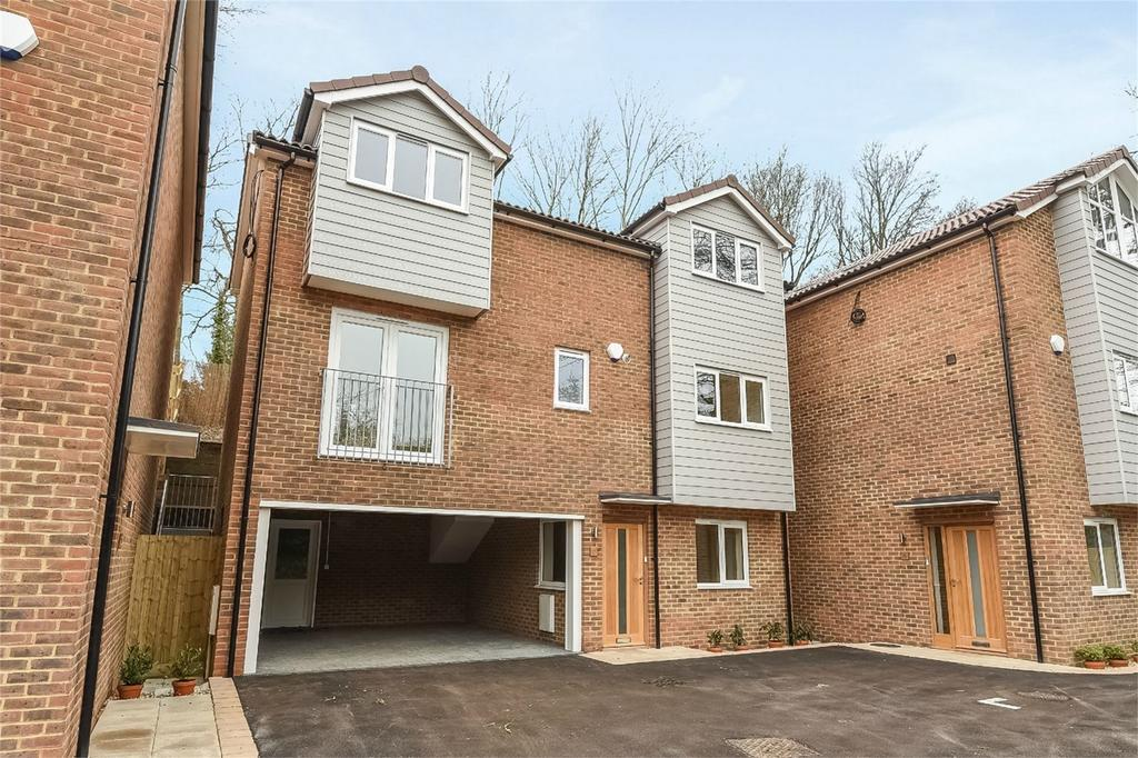4 Bedrooms Town House for sale in Wickham, Fareham, Hampshire