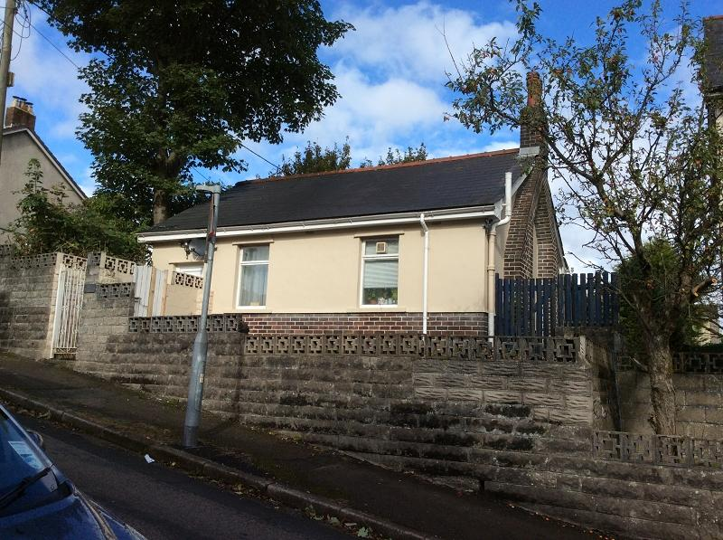 1 Bedroom Detached Bungalow for sale in Tredegar Road, Ebbw Vale, Blaenau Gwent.