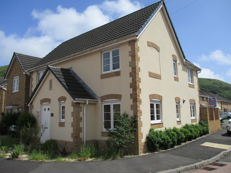 4 Bedrooms Detached House for sale in Ynys Y Wern , Cwmavon, Port Talbot, Neath Port Talbot.
