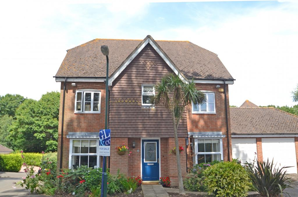 5 Bedrooms Detached House for sale in Storrington, West Sussex, RH20