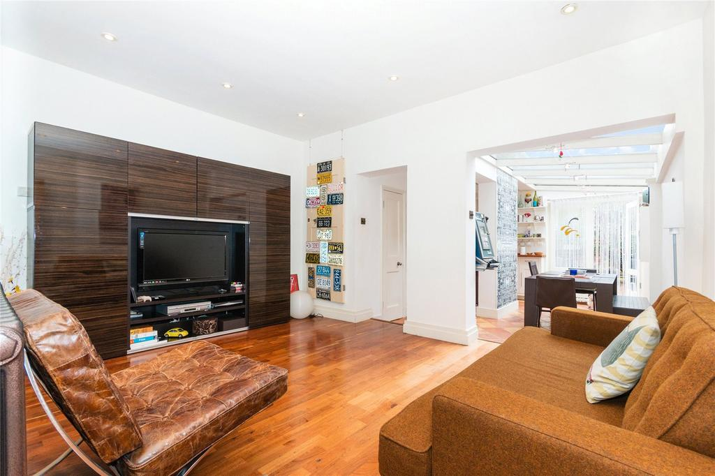 3 Bedrooms Terraced House for sale in Montgomery Road, Chiswick, London