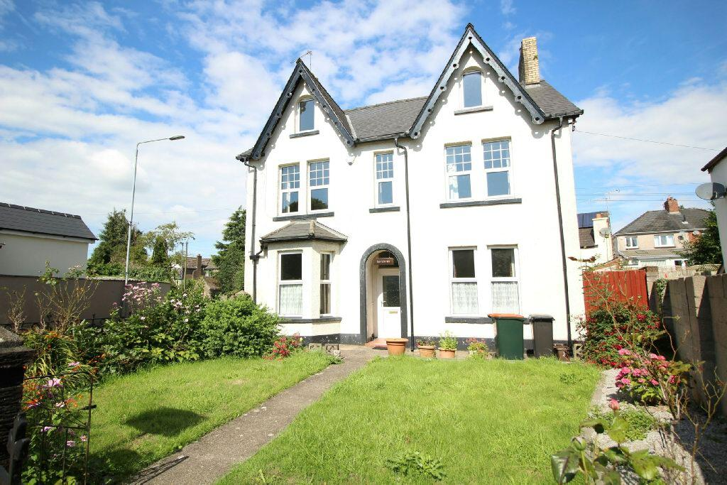 5 Bedrooms Detached House for sale in 19 Goldcroft Common, Caerleon, Newport