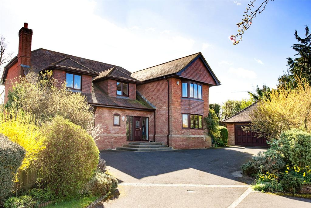 5 Bedrooms Detached House for sale in Buffetts Close, Sturminster Newton, DT10