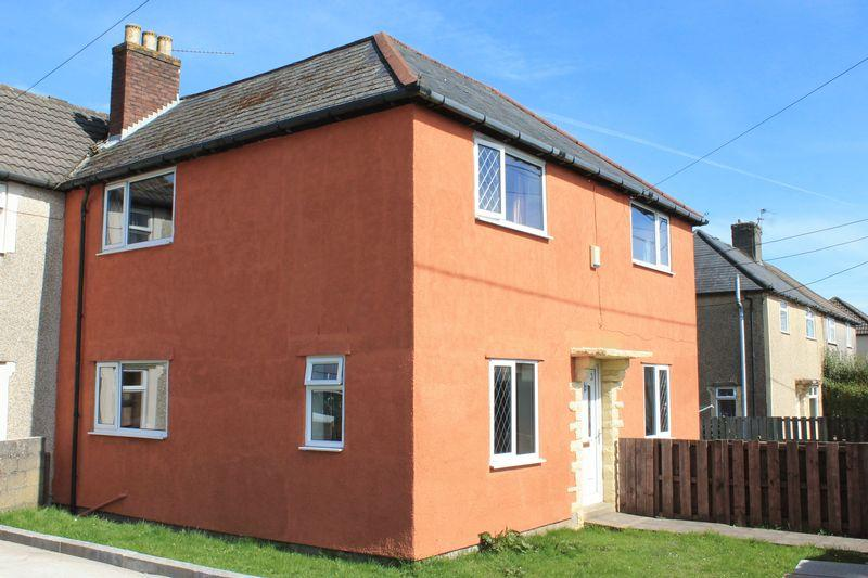 3 Bedrooms Semi Detached House for sale in Llwyncrwn Road, Beddau CF38 2BE