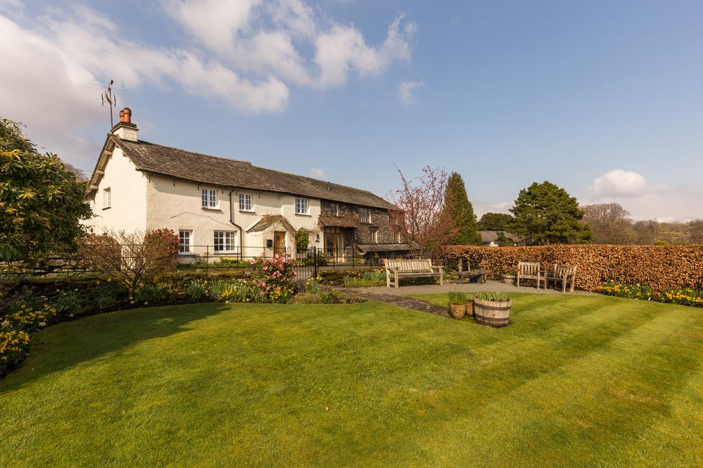 7 Bedrooms Barn Conversion Character Property for sale in Knipe Fold Farmhouse and Knipe Fold Barn, Outgate, Ambleside, Cumbria LA22 0PU