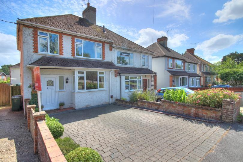 3 Bedrooms Semi Detached House for sale in Kings Road, Chandlers Ford