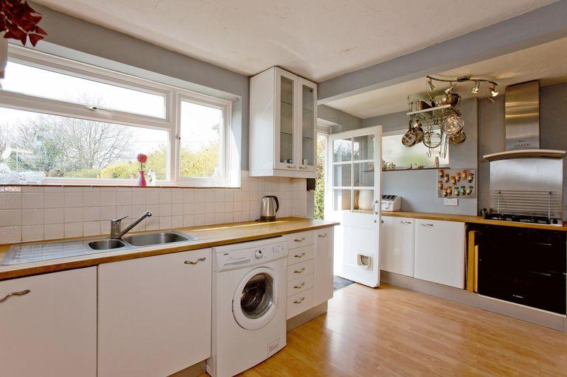3 Bedrooms House for sale in Elmshurst Crescent, East Finchley, N2